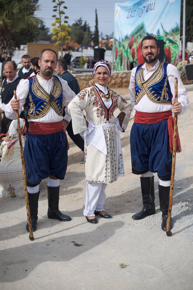 Tepe Basi Tulip Festival, Traditional Dress